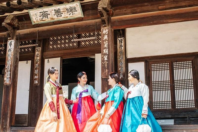 Kelas Memakai Hanbok di Seoul