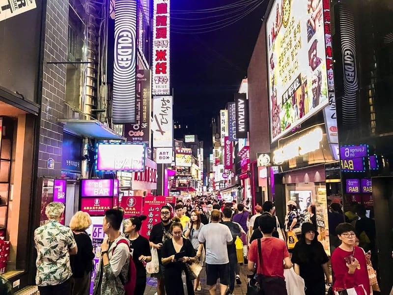 Wisata Belanja di Seoul - Myeongdong Street