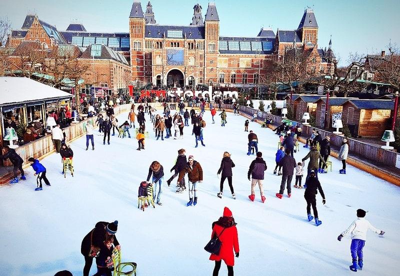 Rekomendasi Kegiatan Seru Saat Winter di Eropa - Melihat Keindahan Eropa - Amsterdam - Sumber Pixabay