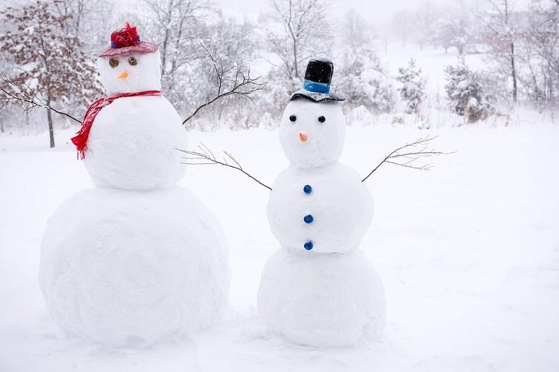 Aktivitas Seru Saat Liburan Musim Dingin di Eropa - Bermain Salju Bersama Keluarga - Sumber Pixabay