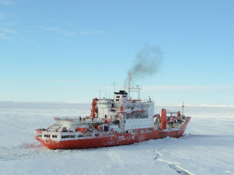 Aktivitas Seru Saat Liburan Musim Dingin di Eropa - Polar Explorer Icebreaker Shampo Cruise