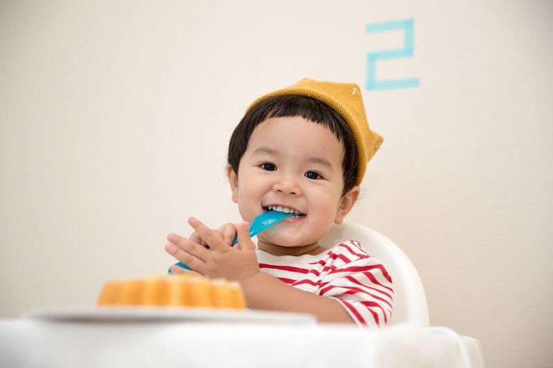 Jam Makan Anak di Pesawat - Sumber Unsplash