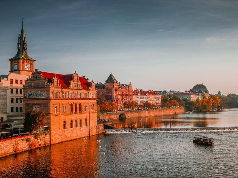 Modus Pencopetan di Praha - Sumber Unsplash