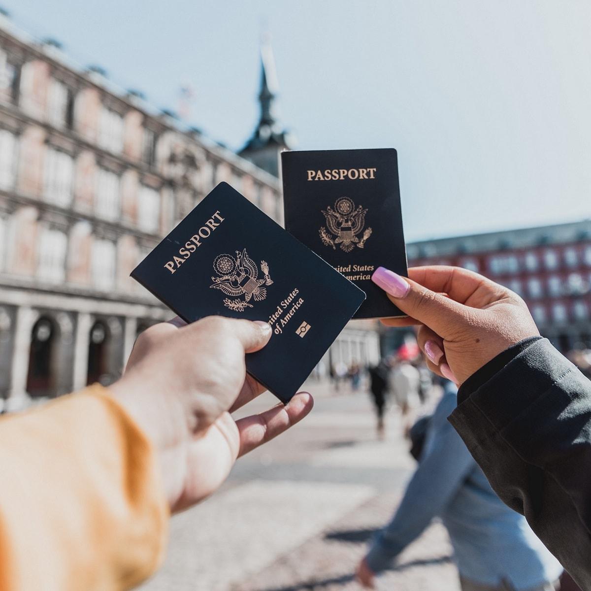 Panduan Mengurus Paspor Hilang di Luar Negeri - Sumber Unsplash
