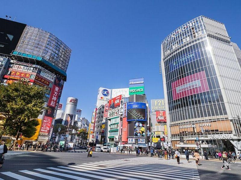 Shibuya Crossing Saat Musim Sakura Jepang