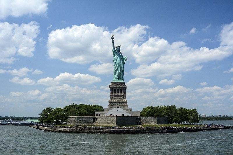 Tempat Wisata di New York - Liberty Island - Sumber Wikimedia