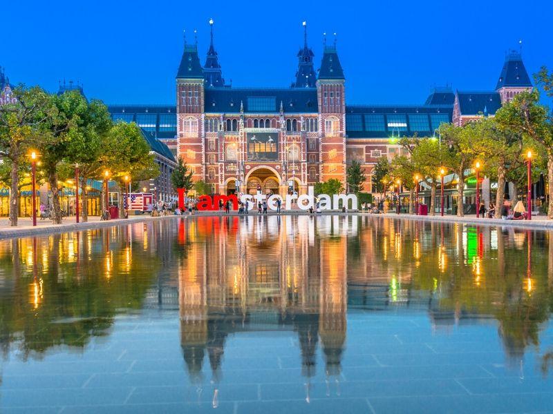 Kota Wisata Eropa Barat - Rijksmuseum, Amsterdam - Sumber Wikimedia
