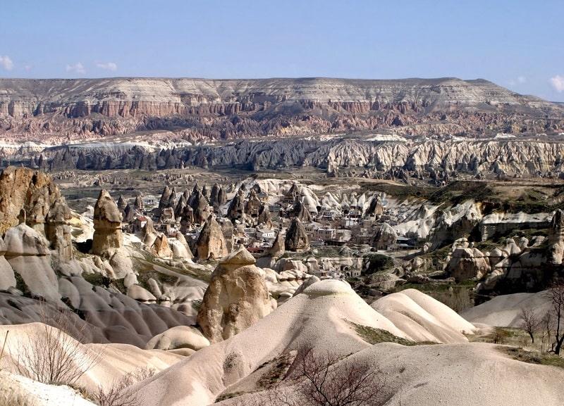 Citadel of Uchisar - Sumber Wikipedia