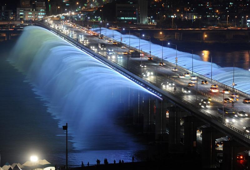 Rekomendasi Wisata di Seoul - Banpo Bridge