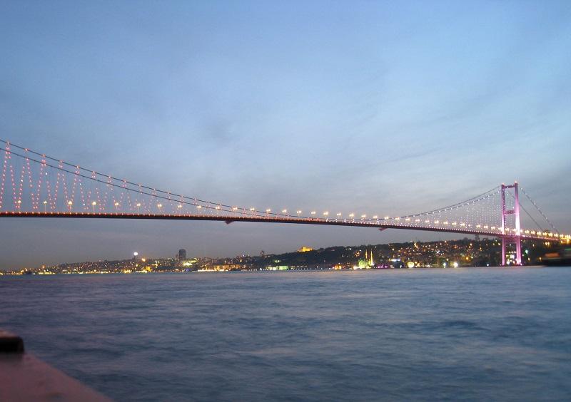 Destinasi Wisata di Turki - Bosphorus Bridge - Sumber Good Free Photos