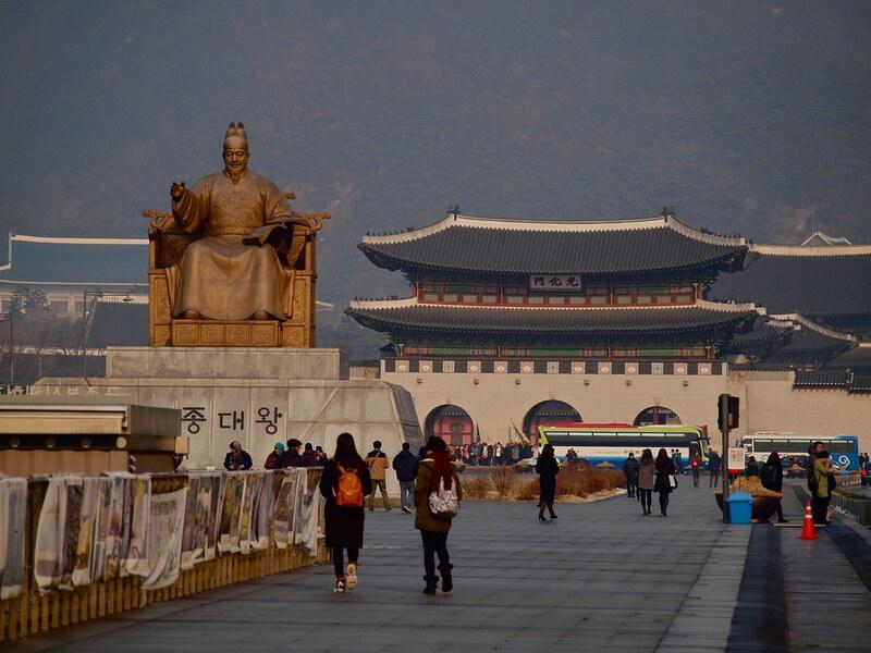 Rekomendasi Wisata di Seoul - Gwanghwamun Square - Sumber Flickr