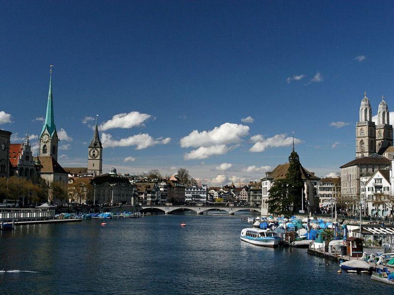 Keliling Eropa - Limmat River, Zurich, Swiss - Sumber Wikimedia