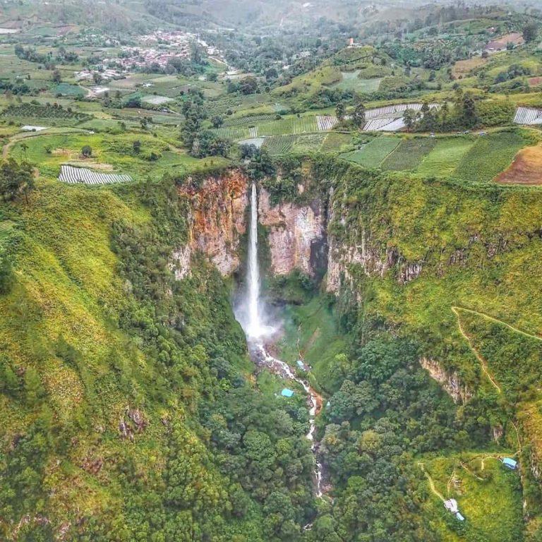 Tempat Wisata di Medan Air Terjun Sipiso-Piso - Sumber Wikipedia