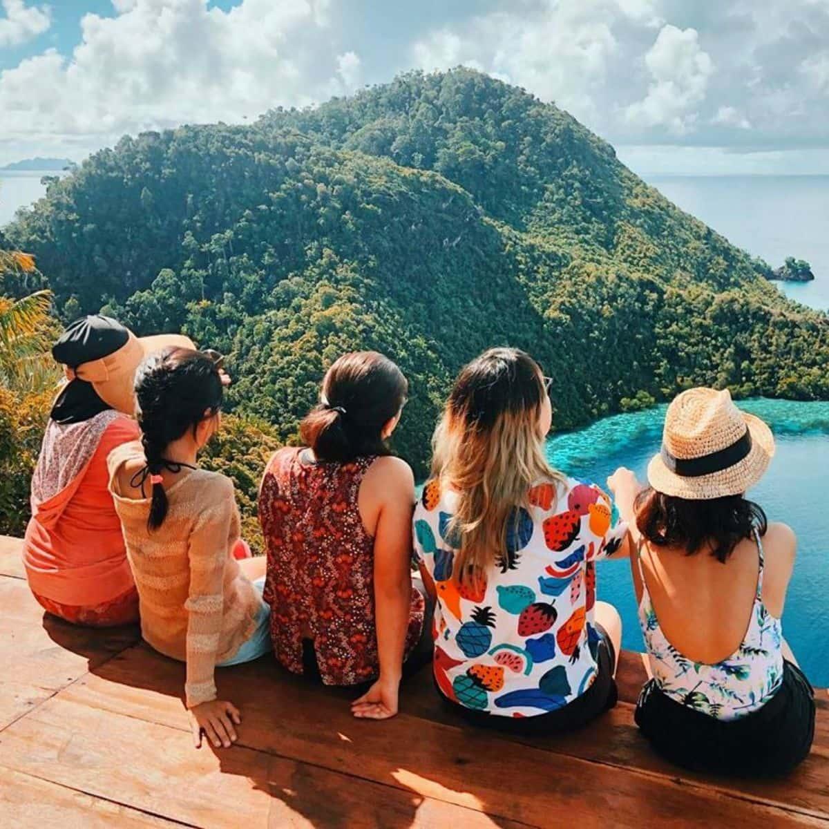 Wisata Populer Indonesia Raja Ampat - Sumber Instagram friscaarina