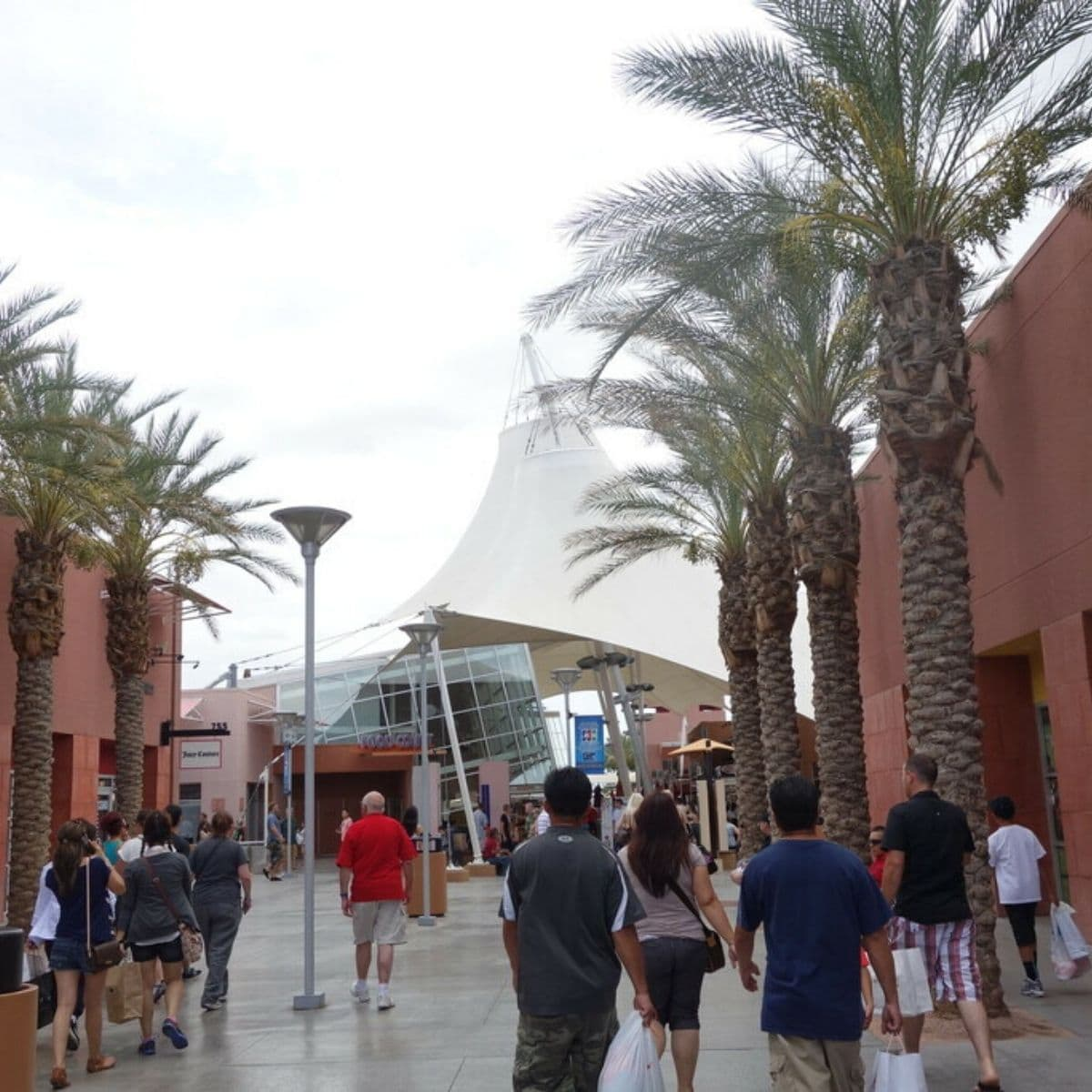 Day 4 Itinerary Liburan Amerika - Las Vegas North Premium Outlet