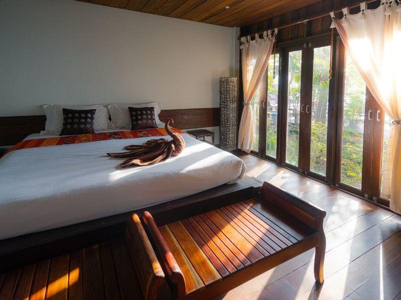 12 Aktivitas Seru yang Bisa Kamu Lakukan Saat Staycation di Hotel atau Vila - Sumber Unsplash