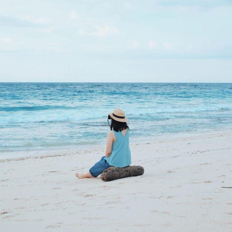 15 Rekomendasi Pantai di Sumba yang Belum Banyak Diketahui Wisatawan - Pantai Kita Mananga Aba - Instagram triyanarzq