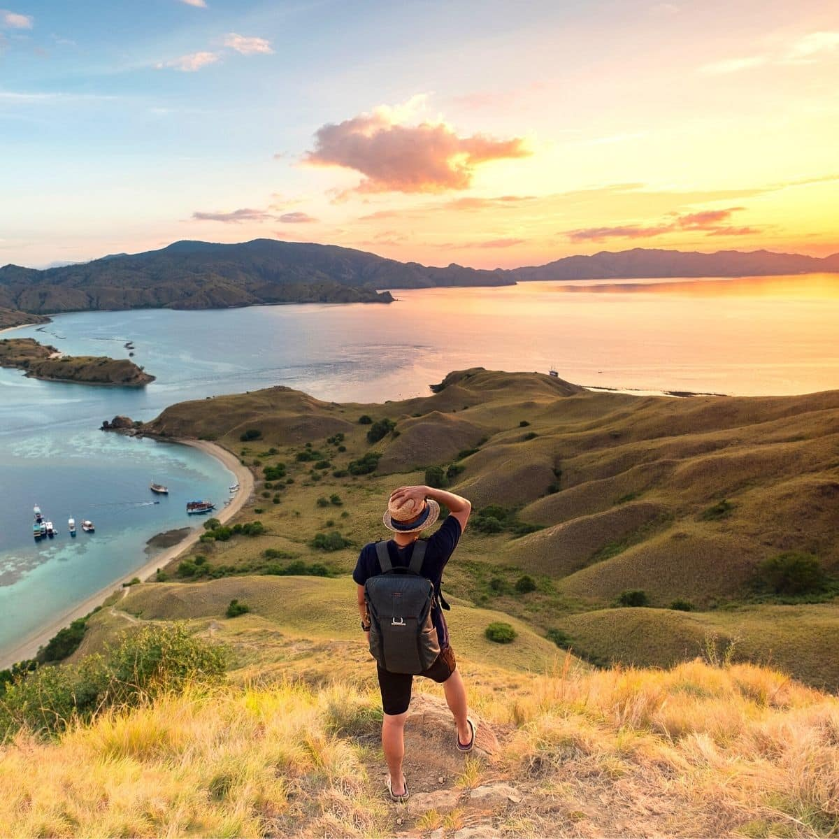 12 Aktivitas Seru di Labuan Bajo yang Wajib Kamu Coba Saat Liburan
