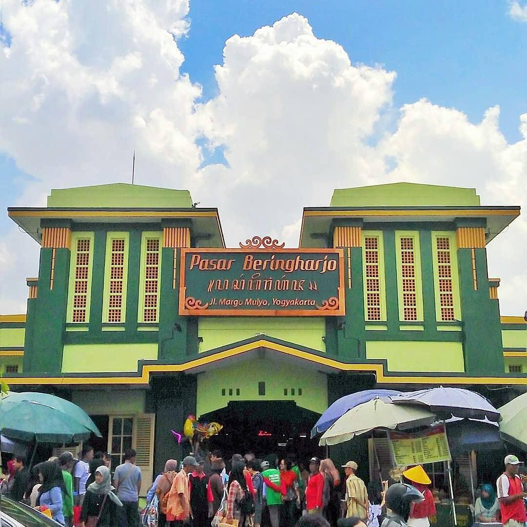 Suvenir dan Cendera Mata Khas Jogja - Pasar Beringharjo - yuniar.pradipta