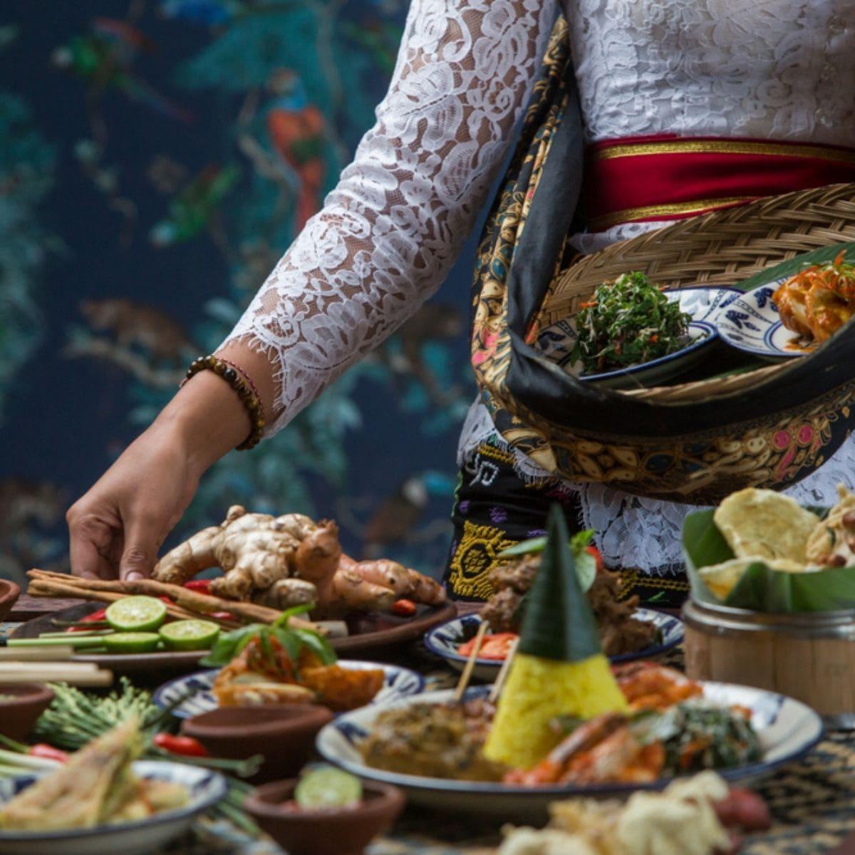 Wisata Kuliner 9 Tempat Makan Legendaris Bali yang Wajib Dikunjungi
